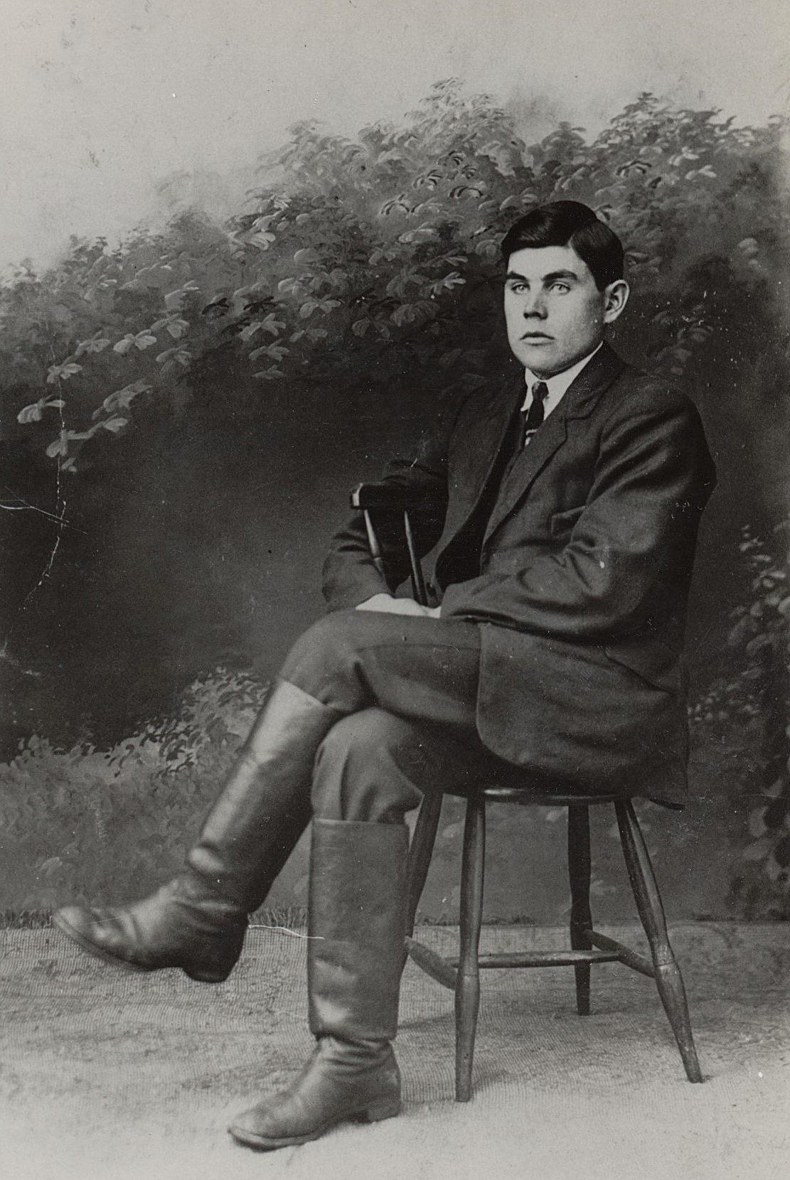 Frans Ålgars (1900-1981) som år 1924 gifte sig med lärarinnan Edna Öist.
