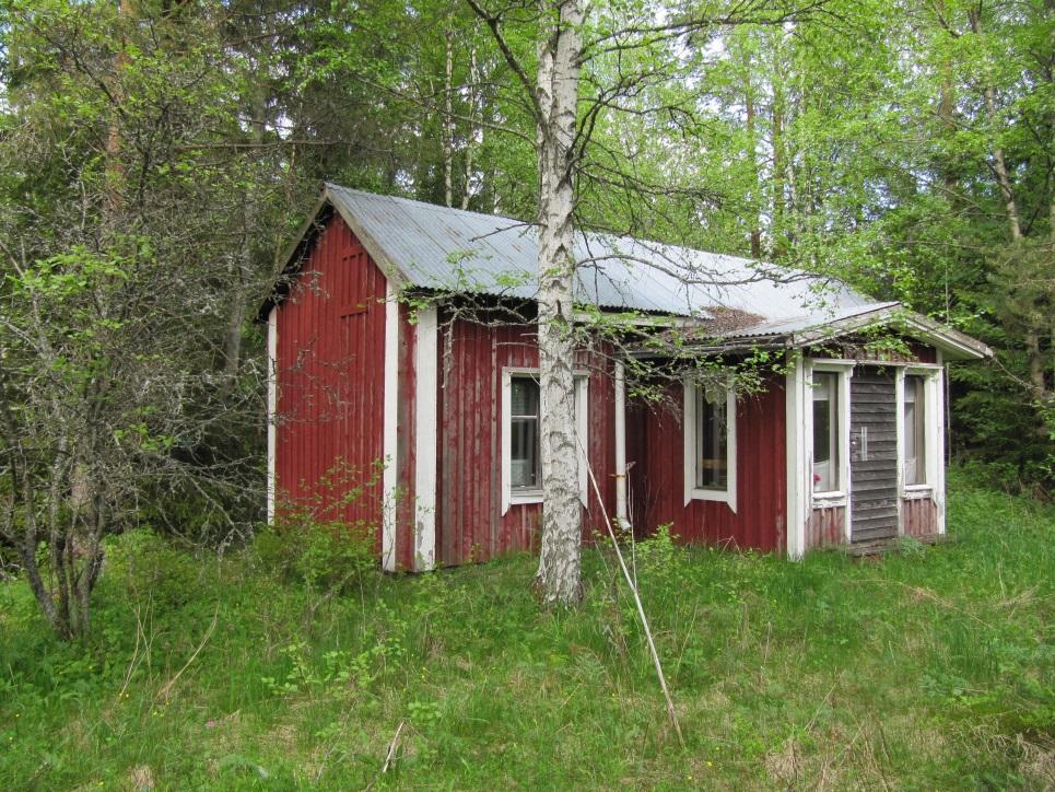 Så här såg Julias gård ut år 2013, fotograferad från söder.