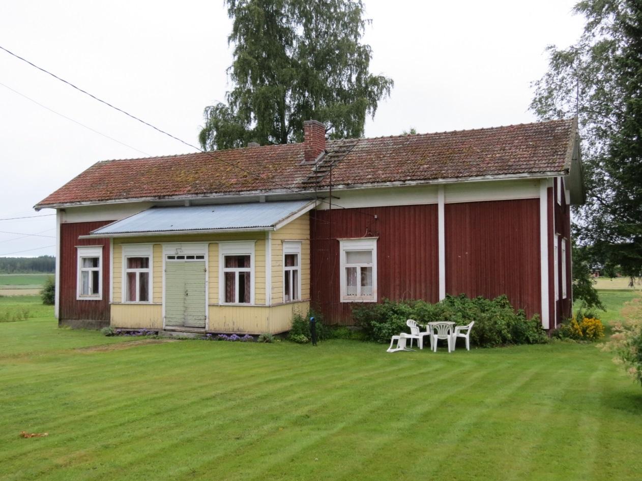 Här Kårk-Antas gården uppe i Korsbäck. Stället hette tidigare Kyttåkersbackan men efter att Erland Hammarberg med sin familj flyttade från Storliden till grannskapet, så började stället kallas för Stolidbackan.