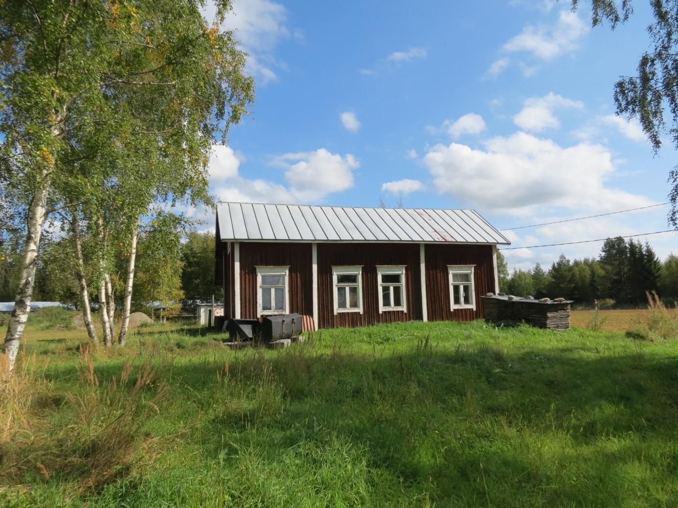 Så här såg Jossas Kaalas gård ut år 2013, fotograferad från söder.