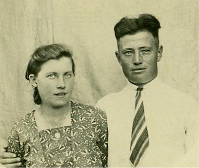 Här ett annat foto med Signe och Lennart Nyström.