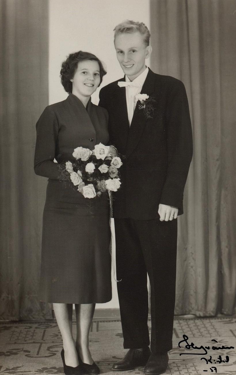 I september 1957 gifte sig Lennarts och Signes dotter Inga-Lisa med Johan Heinonen.
