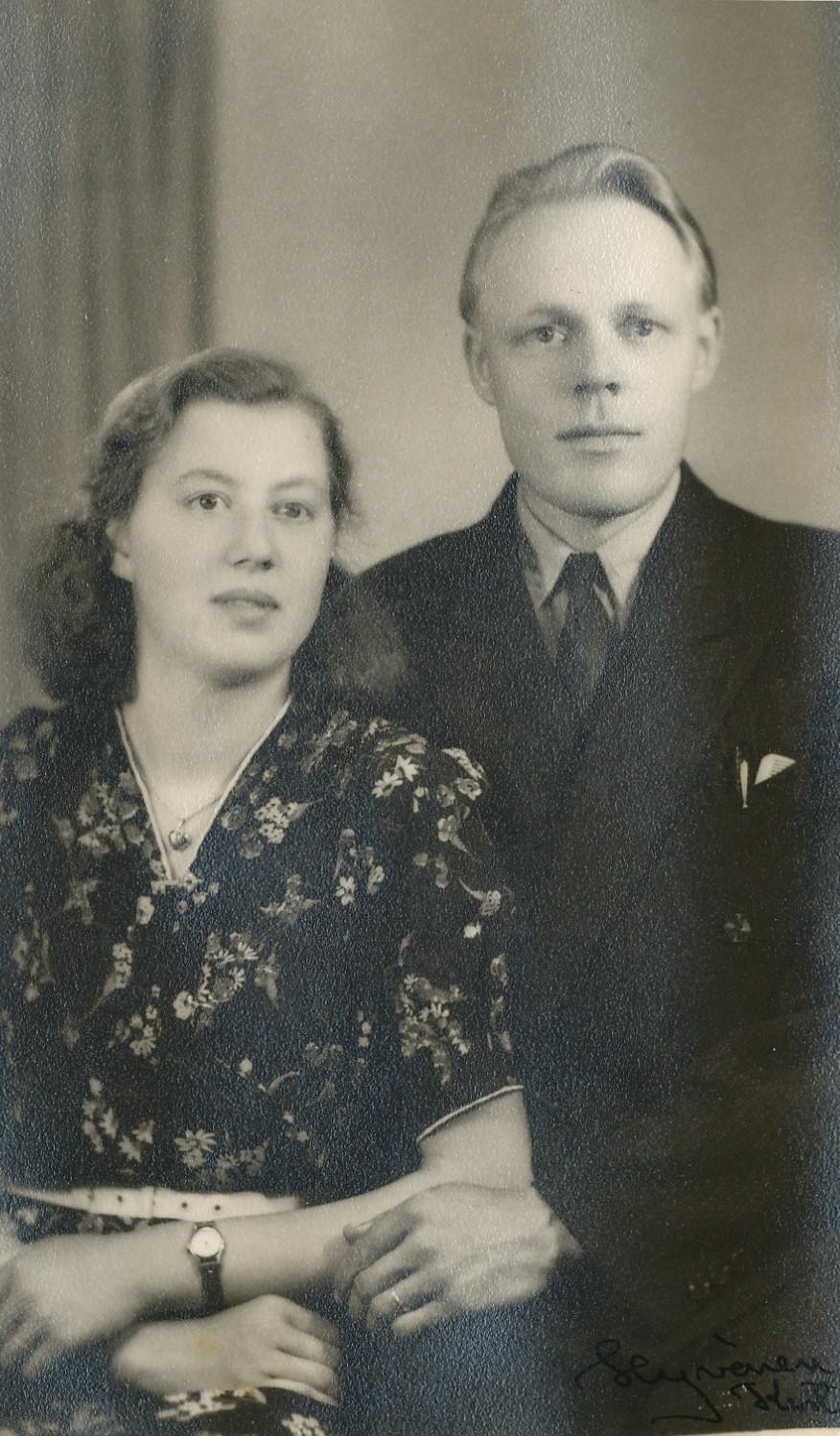 Förlovningsfoto med Lisa Blomkvist och Arvid Berglund.