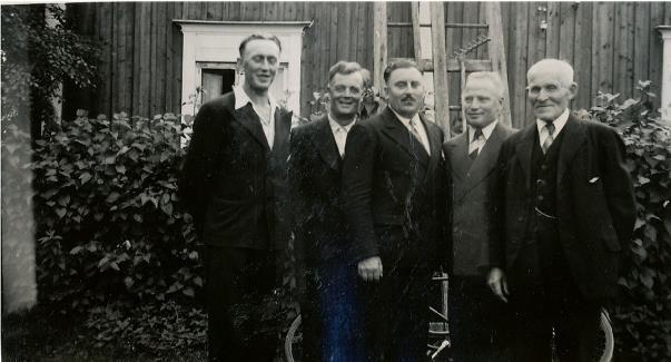 Fr.v. Gunnar Lillkull, Emil Norrgård, Anselm Nyström, Lennart Nyström och Niklas Nyström.