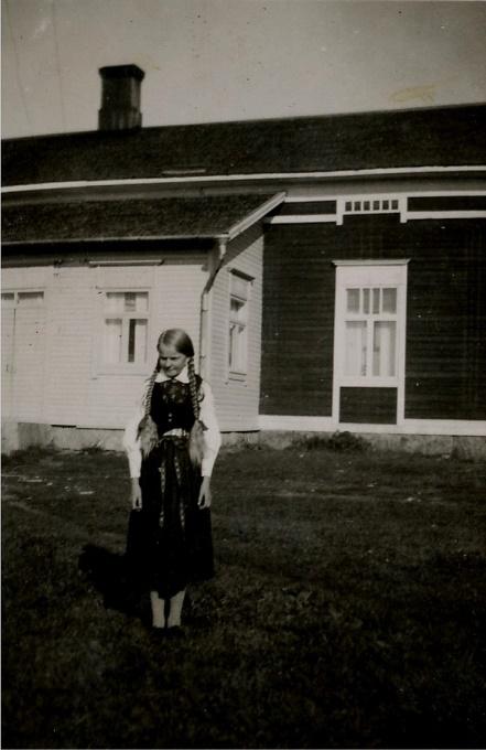 Här deras andra dottern Hjördis (1923-1937).