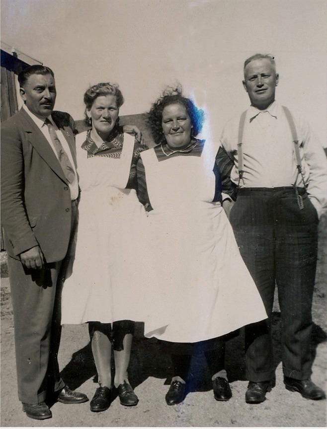 Från vänster Anselm Nyström, Guldi Lillkull, Hulda Norrgård och Lennart Nyström.