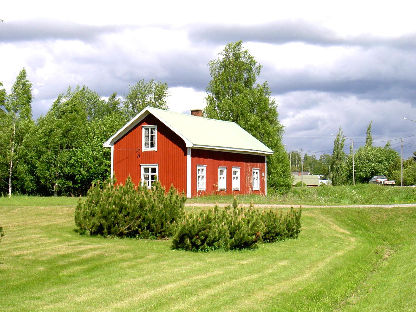 """I den västra ändan av detta hus på Dagsmarkvägen 346 sålde Harald strutar med karameller eller """"sockerbollar"""" som de också kallades."""
