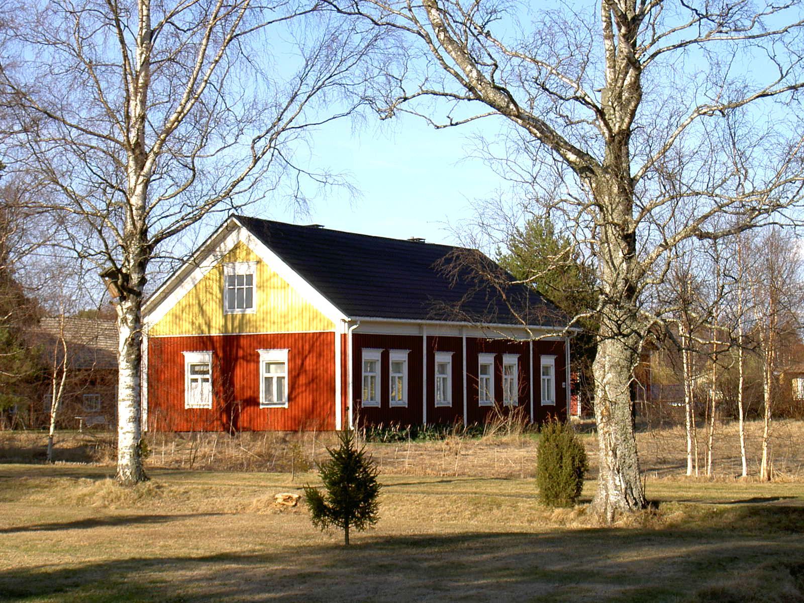Så här såg Nyströms gård ut på våren i början på 2000-talet.