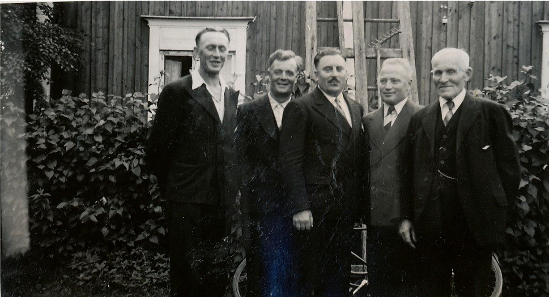 Fr.v. Gunnar Lillkull, Emil Norrgård, Anselm Norrgård, Lennart Nyström och Niklas Nyström.
