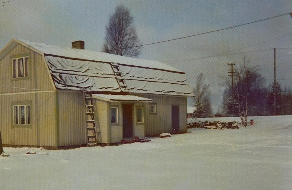 Här bodde Birger och Anna Sonntag . Foto vintern 1975.