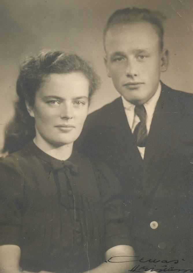 På bilden Else Norrgård (1924-2016) som gifte sig med Sigvald Ingvesback (1924-2003) från Finngärdstå i Lappfjärd.