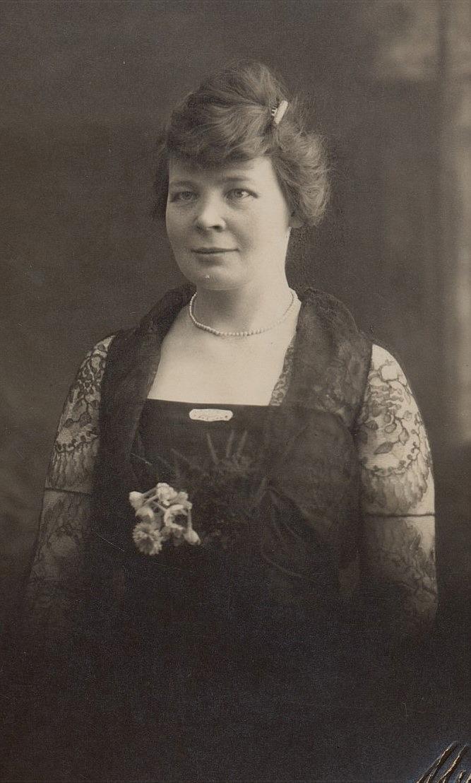 Här Fina Lindfors i unga år. Fina var syster till Maria Lång, som var gift med Bäckas-Josip.