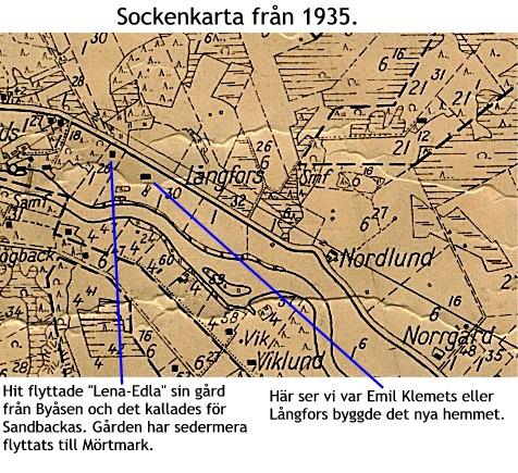 På sockenkartan så ser att gården har flyttats, kanske samtidigt som Lena-Edla flyttade de så kallades Sandbackas gården.
