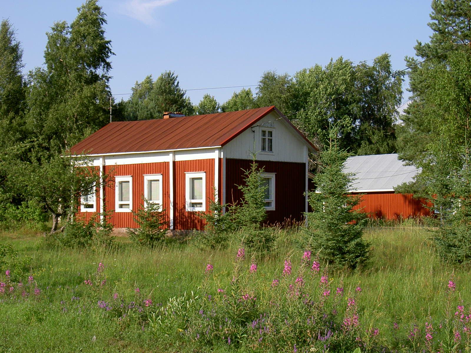 Här Löfgrens gård fotograferad från söder 2003.