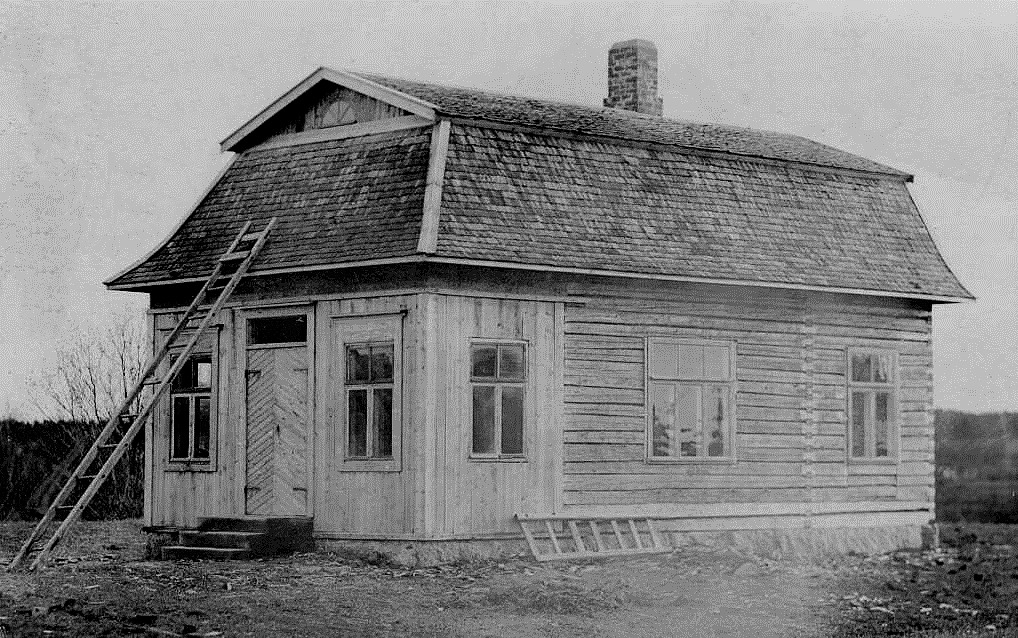Det är lite amerikansk stil över detta hus på Lillsjövägen