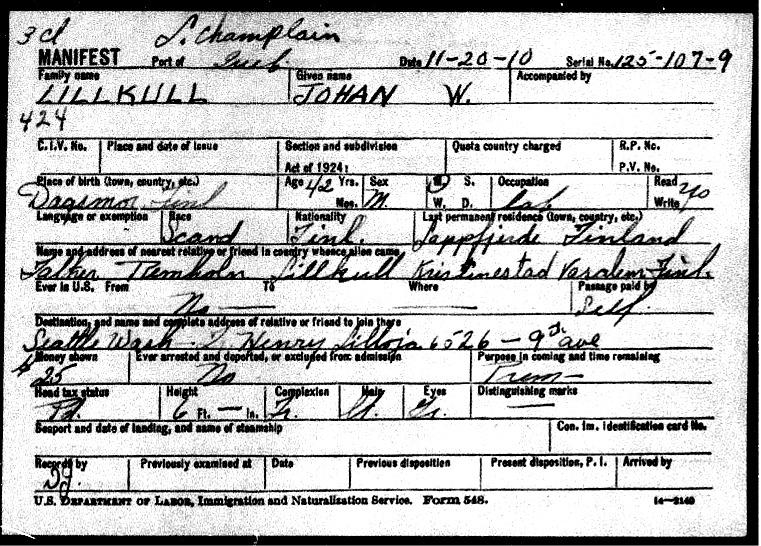 I november 1910 anlände Viktor eller Johan W. som han kallade sig, till Amerika och i dokumentet står det att han skall till Seattle där Henrik Lillsjö bor. Det står att han har betalat resan själv och att han har 25 dollar på fickan. Han är 6 fot lång, ca 180 cm och att han är arbetare.