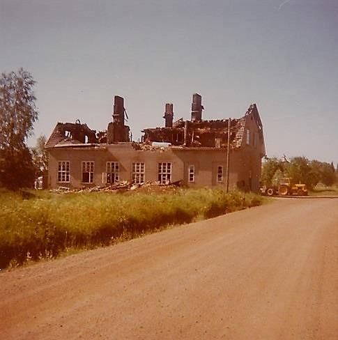 Detta foto från norr togs några dagar efter branden 1977.
