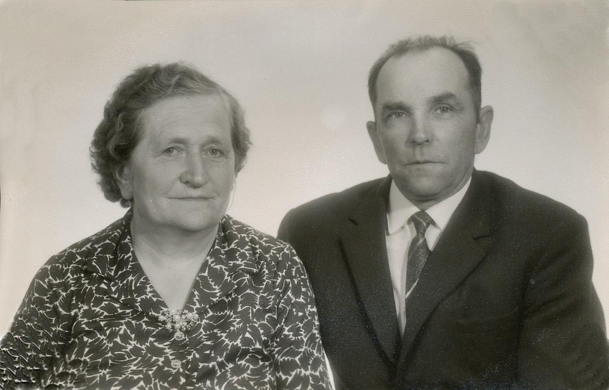 Här Hulda och Emil Löfgren någon gång på 1950-talet.