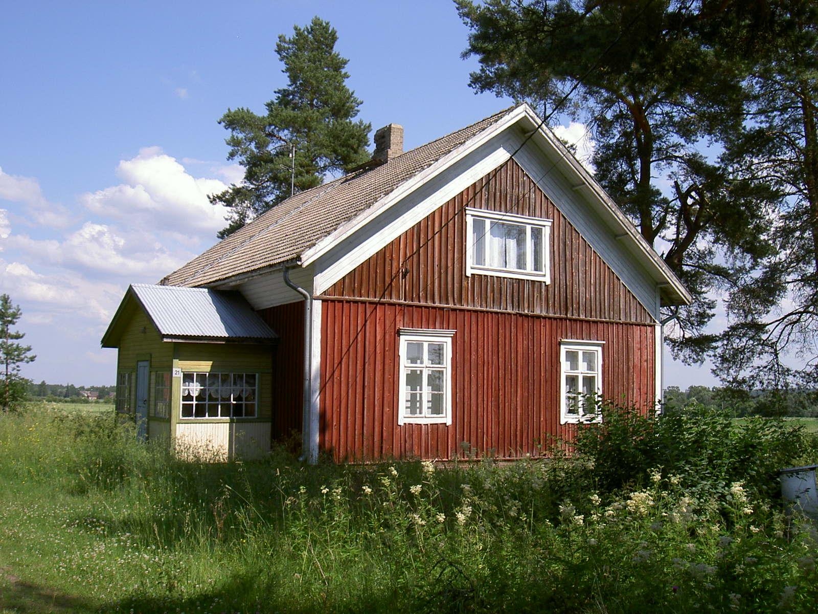 Anselm och Lauras gård i skogsbrynet är numera obebodd.
