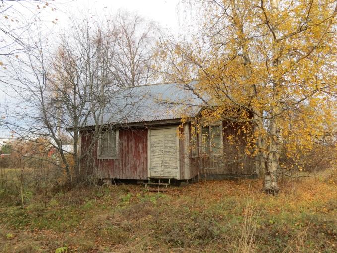 Hösten 2013 så såg gården ut så här från gårdssidan.