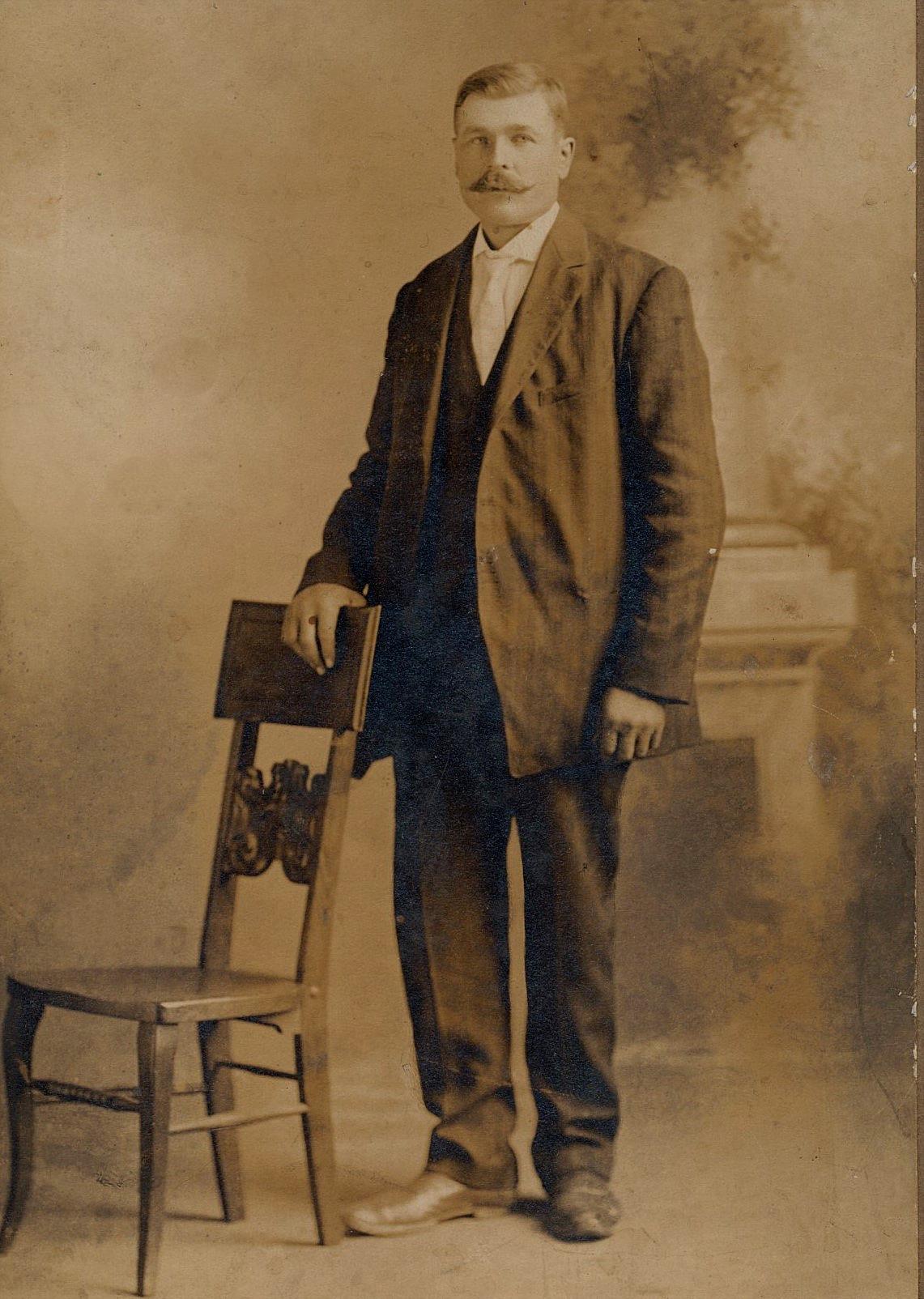 """Här Viktor Lillkulls foto, eller """"Pelas-Viktor"""" som han kallades i folkmun."""