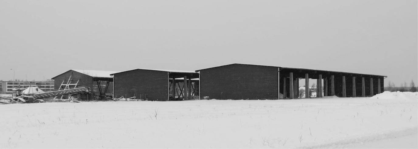Efter kriget var Voitto Kangas med och startade Kristiinan Puunviejät tillsammans med flera andra sågar i grannkommunerna. Det här företaget byggde bland annat de lagerbyggnader som fortfarande finns i hamnen i Kristinestad.