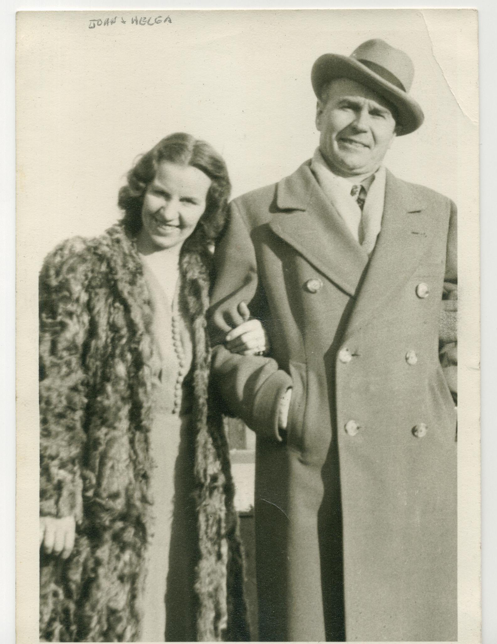 På fotot John Lind och hans hustru Helga.