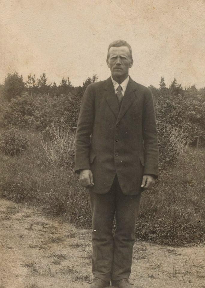På bilden Josef Henrik Storkull, året är 1921.