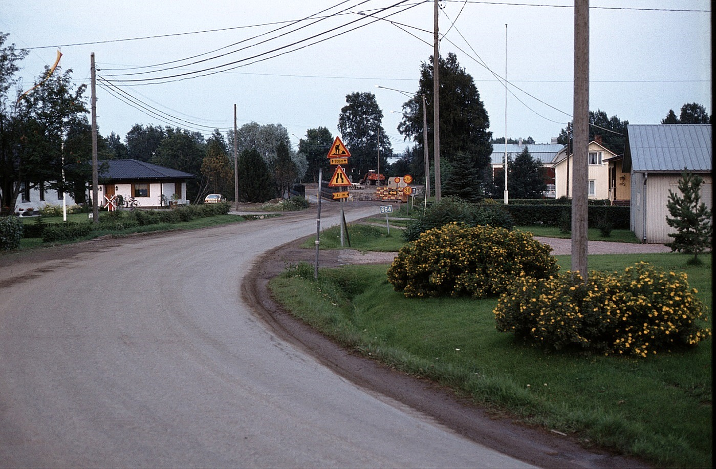 Här på Ingmar Rosengårds foto från hösten 1983 syns det bra hur trafiken leddes över reservbron. Tack vare denna kunde den gamla Storbron rivas före den nya byggdes.