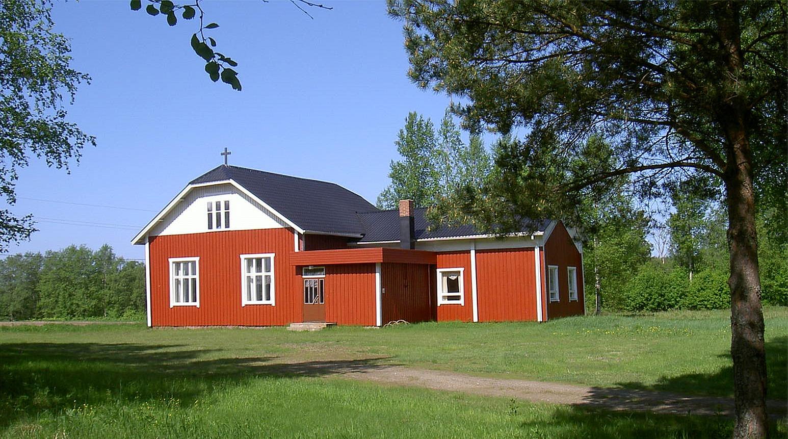 Bönehuset fotograferat från sydost år 2003.
