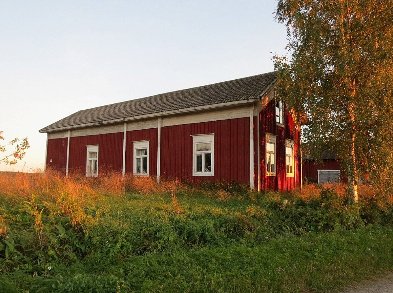 Gården fotograferad från vägen 2013.