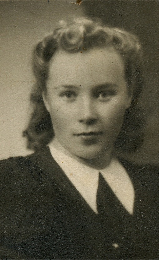 Här Dagny Nyberg som sedan gifte sig med Egil Mannfolk från Lappfjärd.