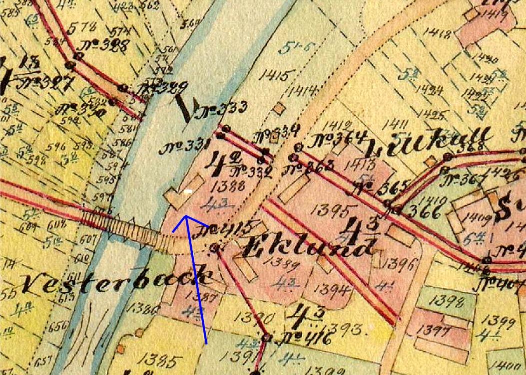 På storskifteskartan från 1905 så syns sågkvarnen vid pilen och att det vid storskiftet tilldelades Vesterbacks hemman nr 4:2, trots att det tidigare hade tillhört Eklund på nr 4:3..