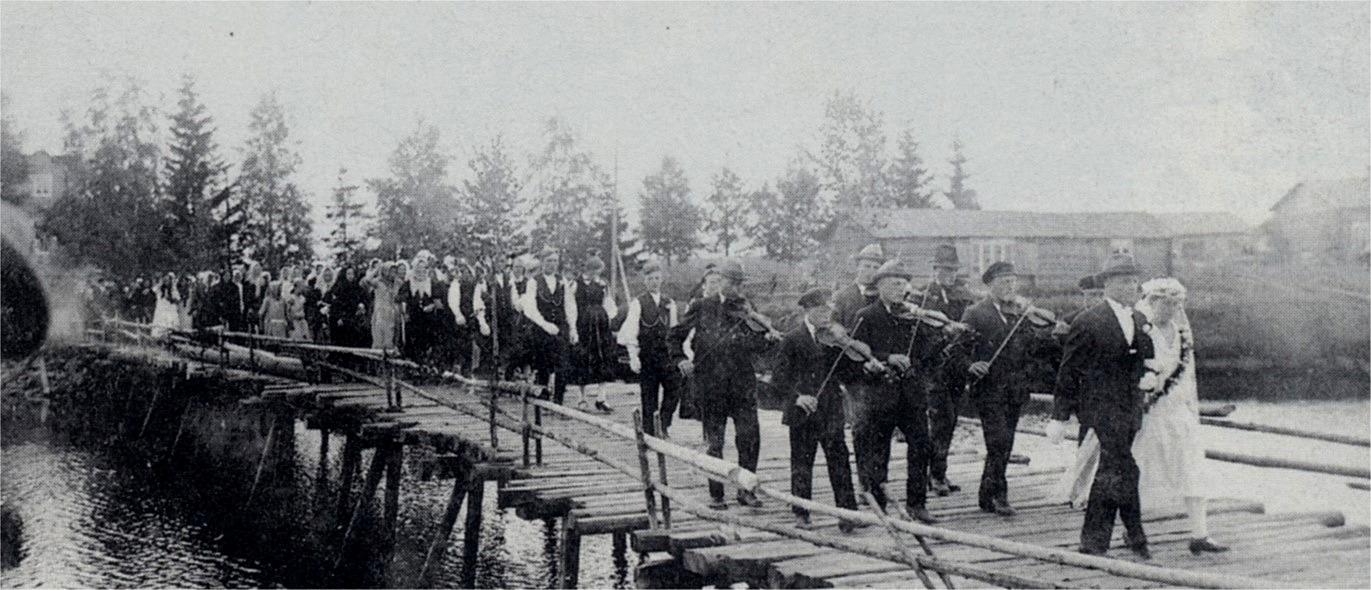 Här den långa brudraden med Artur Mitts och hans Julanda på Flottbron, året alltså 1927.