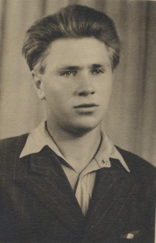 """Här Eino Koivumäki (1928-2014), som kallades """"Dunderas-Einar"""". Han var son till """"Dunderas-Joss"""", alltså Johan och Adelina Koivumäki."""