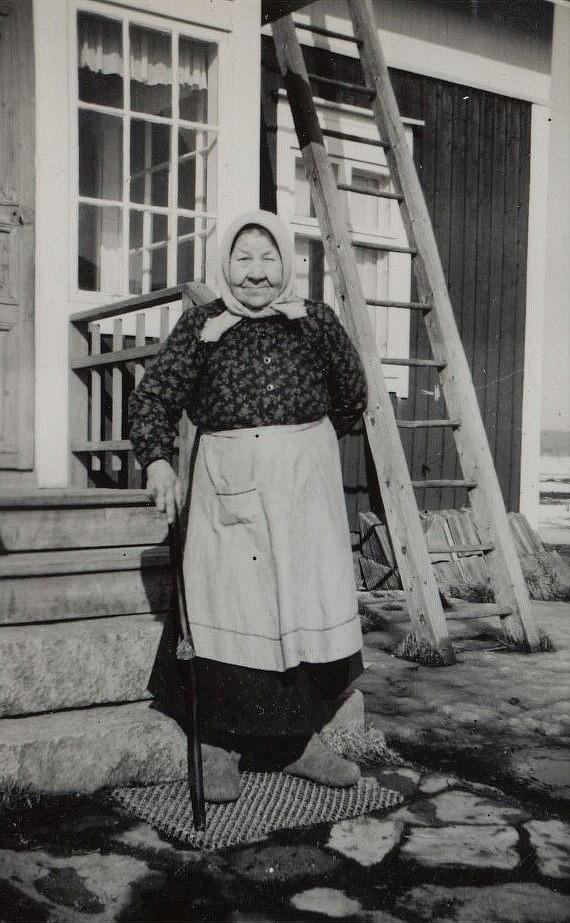 Här Adelina Lindroos från Kväänåen.