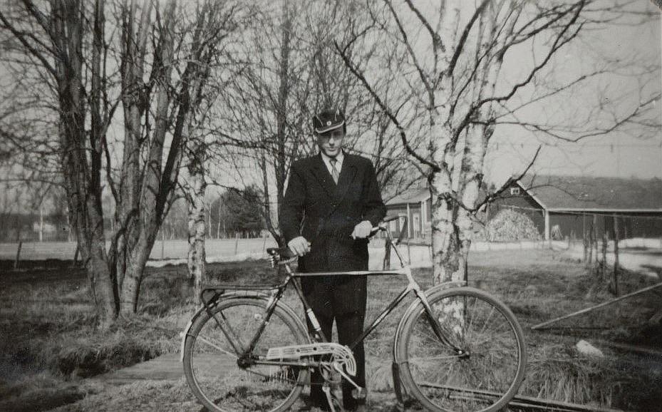 """Haga"" Levi Lund ute med sin cykel."