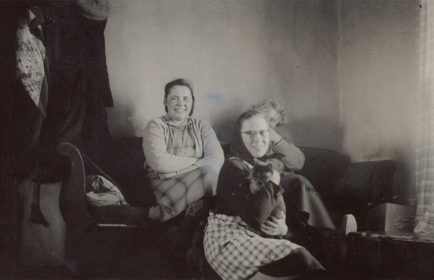 Till vänster Ruby Storkull med Ellen Ånäs.