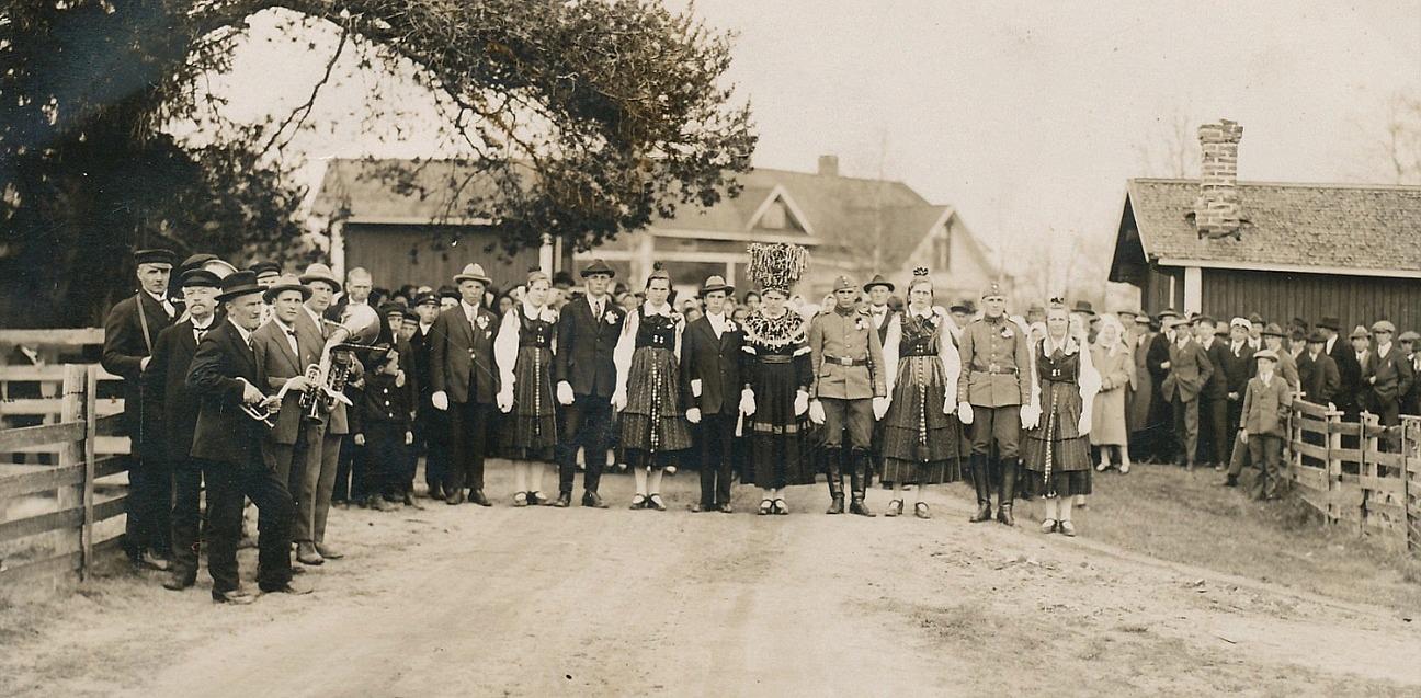 Det var ett riktigt bondbröllop år 1927 då Elin Lillkull gifte sig med Sigfrid Landgärds från Lappfjärd.