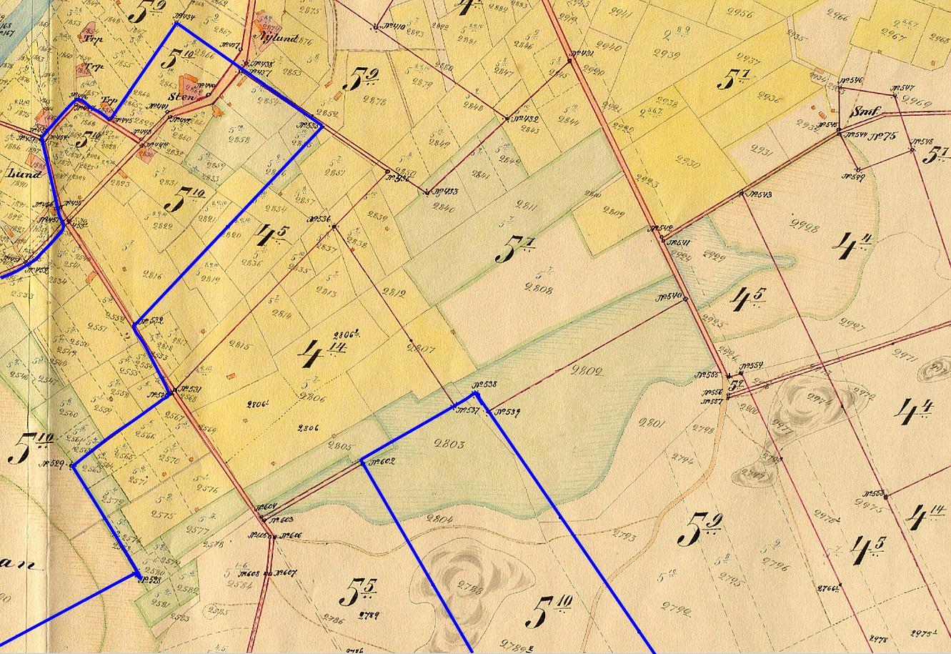 """Här på storskifteskartan så ser vi var """"Pelas-Josipas"""" hemman Sten 5:10 låg på båda sidor av Sunnantillvägen. Förutom hemåkrarna och skogen på Bergåsen som syns på kartan så fanns det 2 andra skiften."""