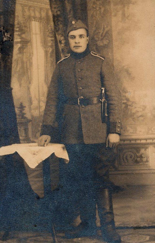 Här Arthur Berg i militären i det nyligen självständiga Finland.
