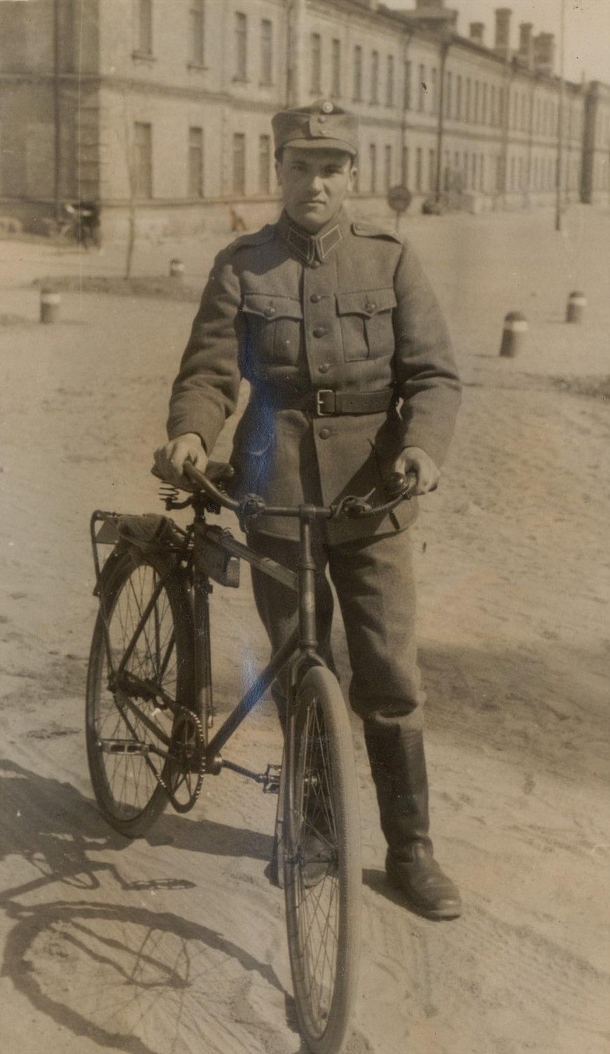 Levi Berg i det militära.