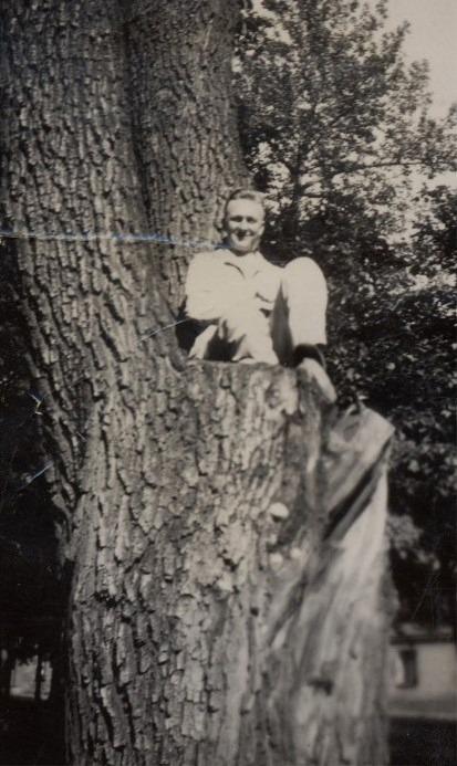 Gunnar Lillkull på hög höjd.