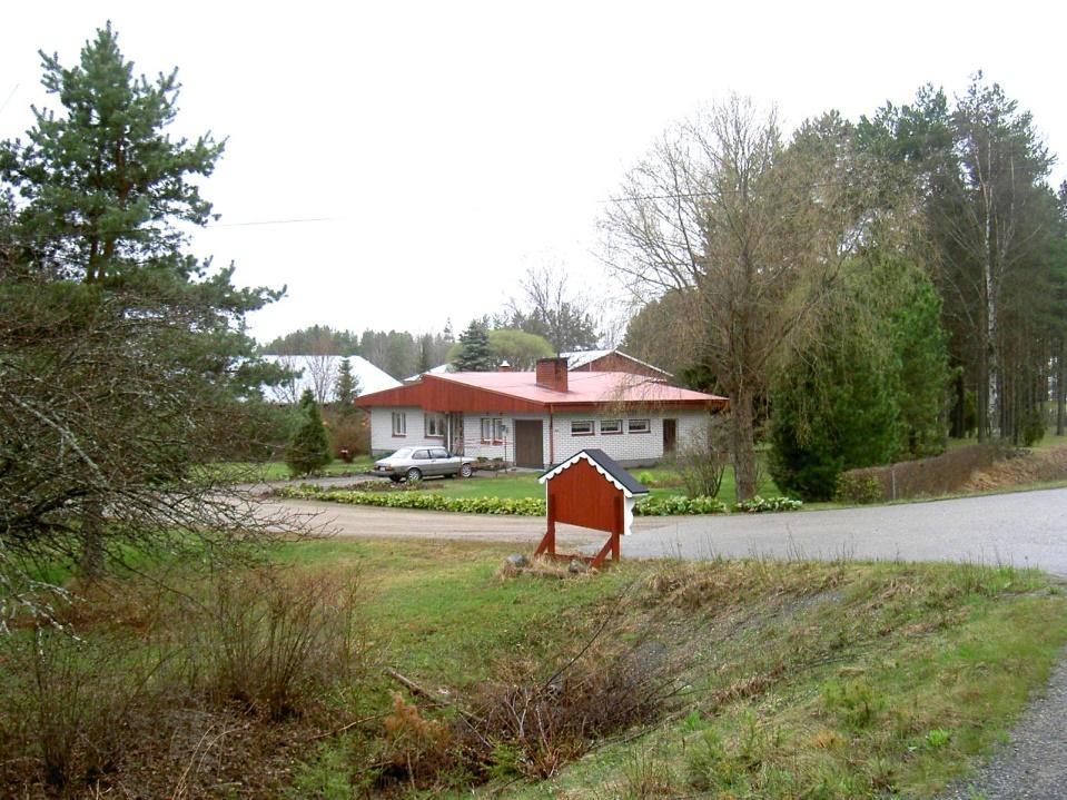 Sonen Dick Hemberg byggde denna gård på samma tomt år 1966.