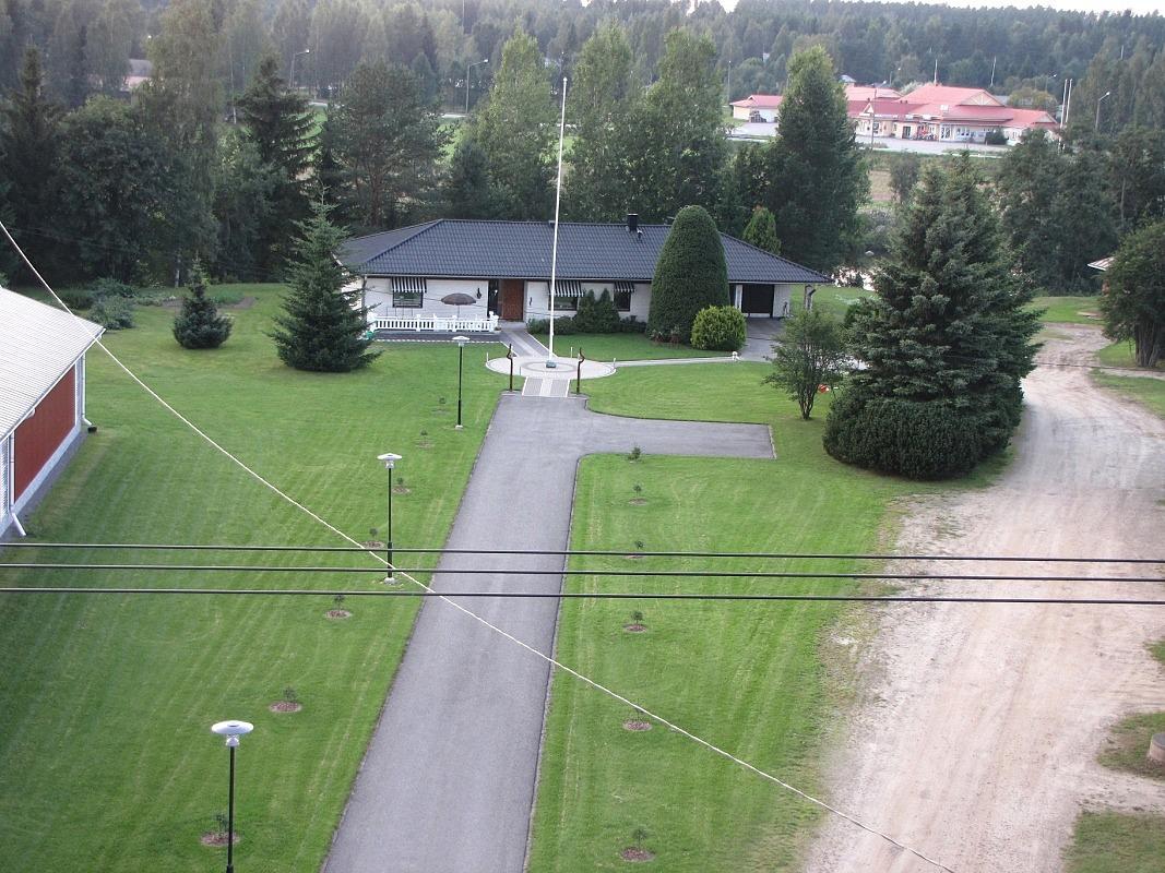 I slutet på 1970-talet rev jordbrukaren John Backlund den gamla bondgården och byggde en ny gård på samma ställe. Foto: Mathias Lindberg.