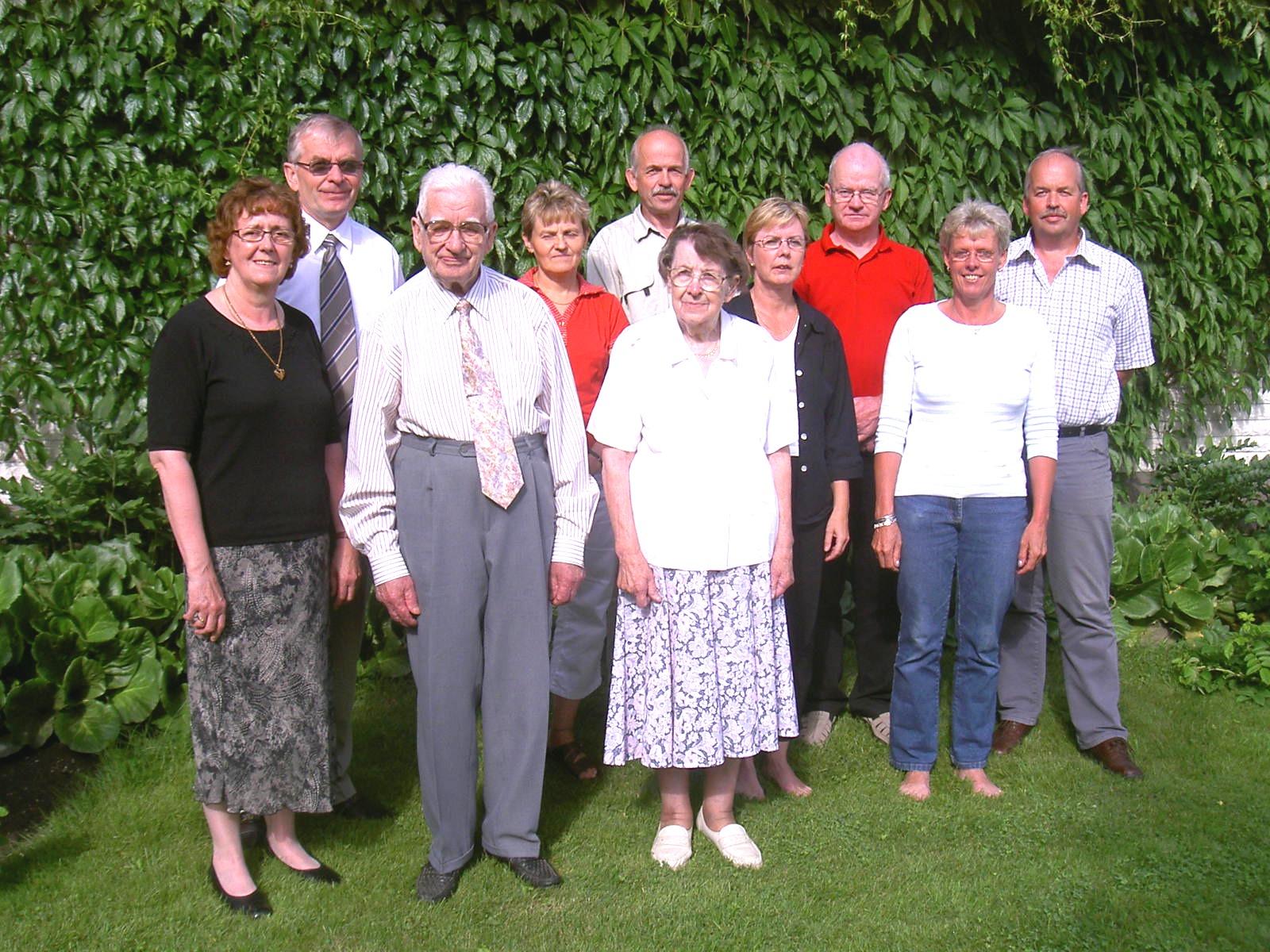 Thea, Per-Erik, Ragnar, Annel, John, Jenny, Reija, Kurt, Eva och Lasse sommaren 2005.