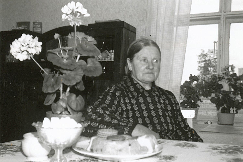 Ida Backlund i sitt hem på sin 80-årsdag.