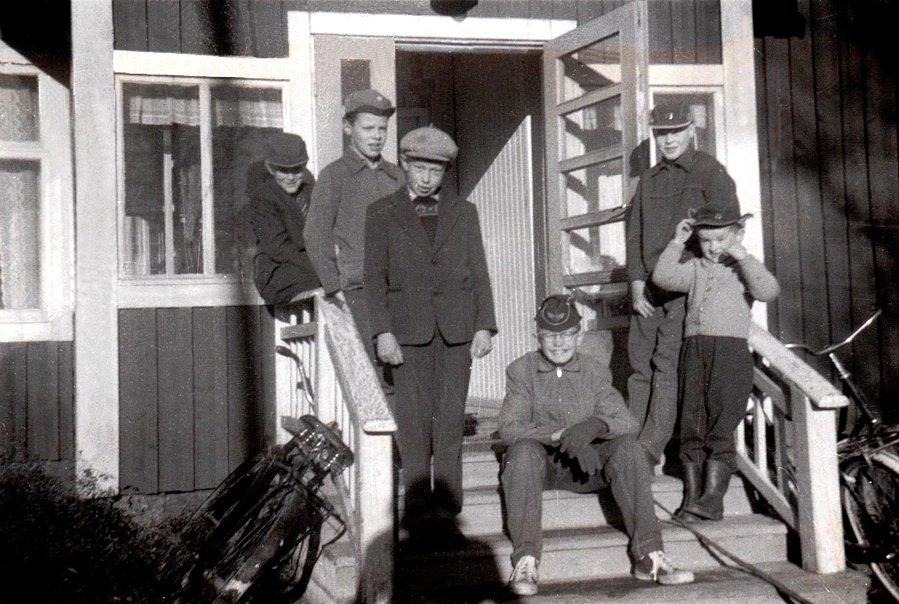 Jan Lillkull, Tommy Nylund, Gösta Lillkull, Per-Erik, Bernhard Utter och Kurt t.h.