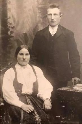 År 1909 gifte sig Axel Forslin med Selma Klemets, som var dotter till Glas-Kajs.