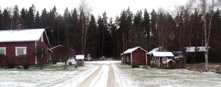 Vinterbild från Nystad. Till vänster Lintulas gård och till höger stod Hemmingas gård i tiderna.